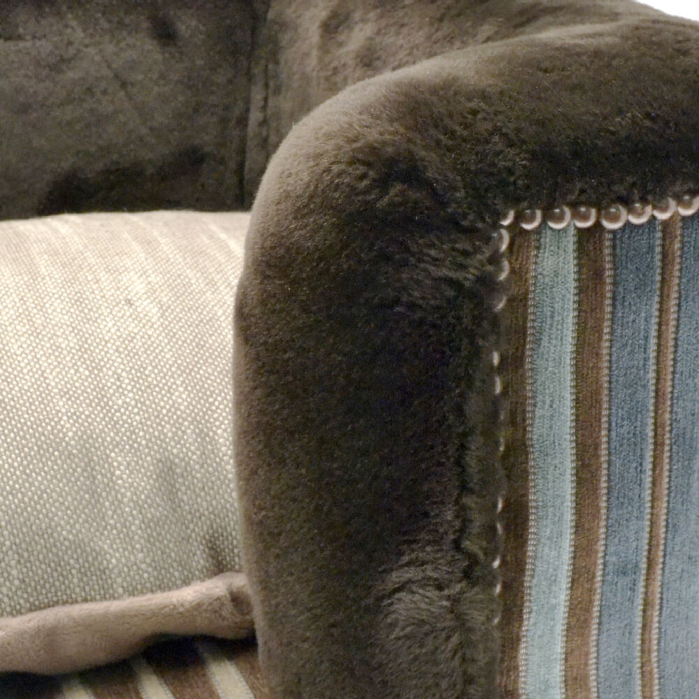 Luxury Fur/Tweed Dog Bed